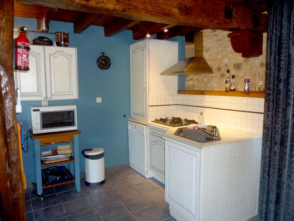 La Plumardie Basse - Dordogne - Gîte 2 - Open keuken met alle kookcomfort
